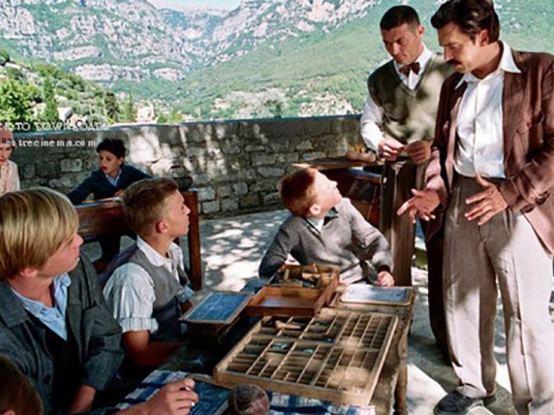 Ο δάσκαλος που άφηνε τα παιδιά να ονειρεύονται - Δείτε την ταινία